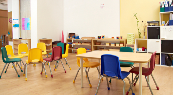 classroom seating area, school chairs & tables